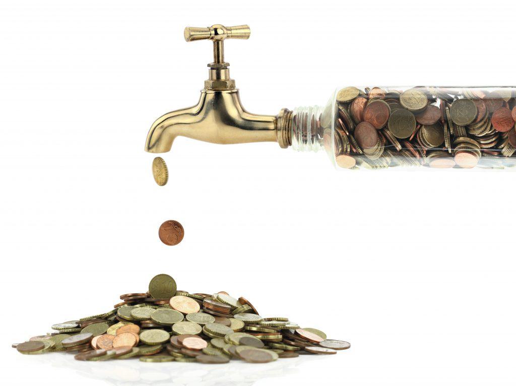 pieniądze płynące prosto z kranu