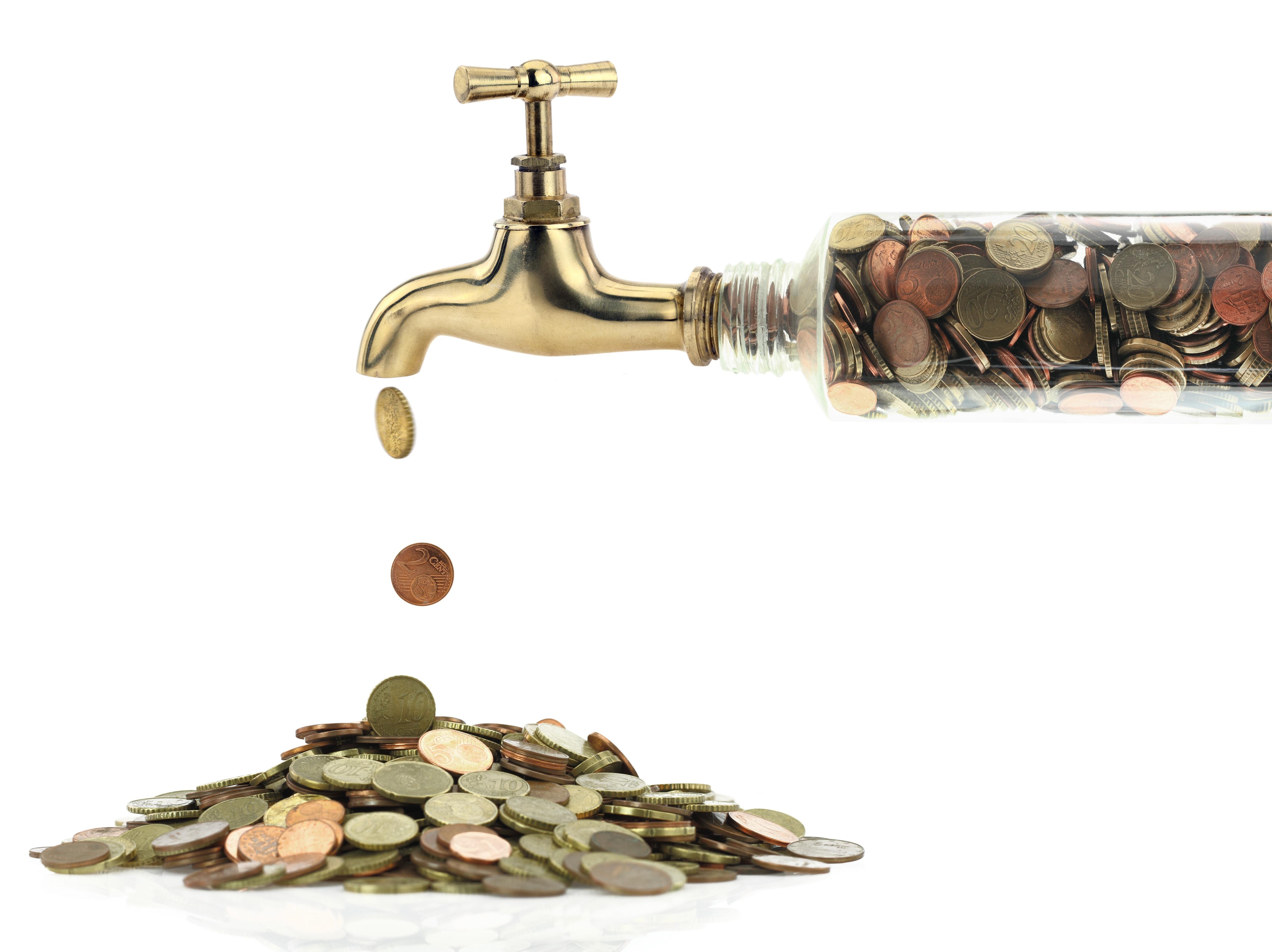pieniądze płynące z kranu