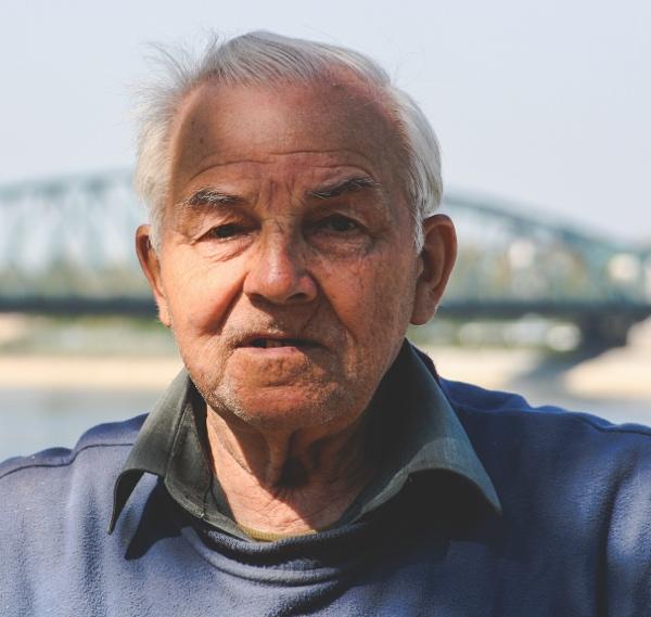 starszy mężczyzna, wypowiedź na temat wody